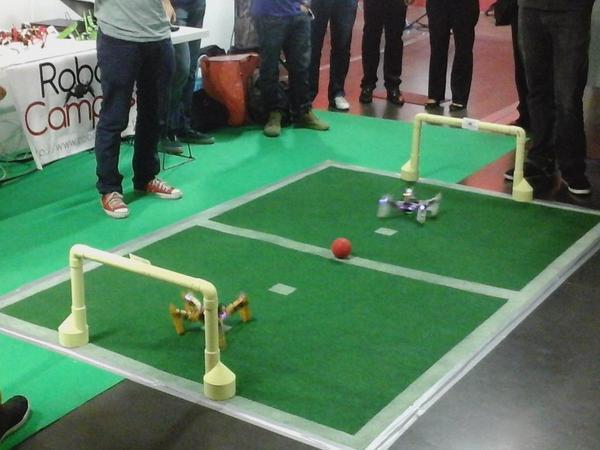 Le terrain de foot des robots. Crédit Robot Campus.